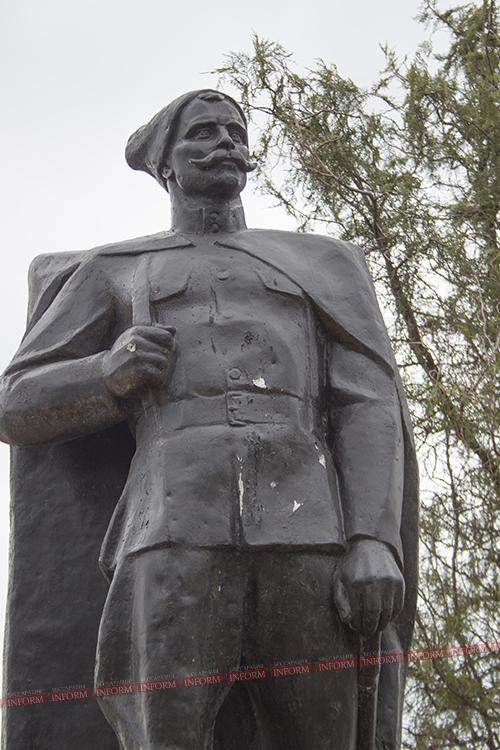 Измаильский район: в Сафьянах отреставрируют памятник Чапаеву.