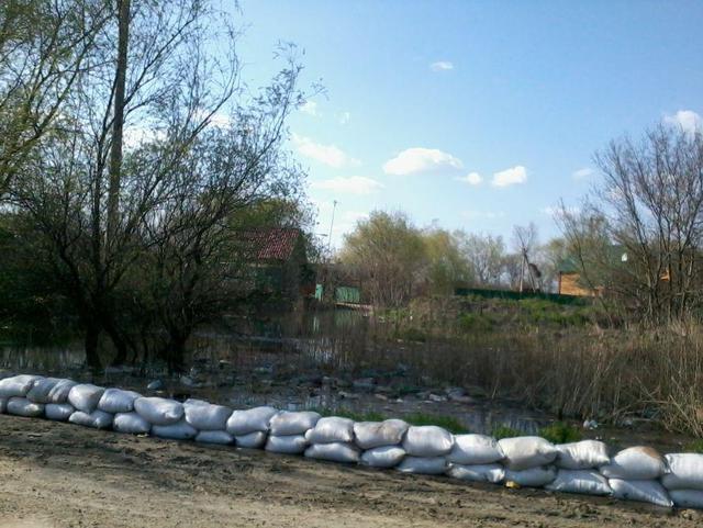 Трассу Одесса-Рени начинает подтапливать(фото)