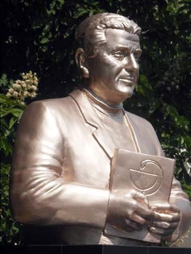 В Болградском районе установили памятник Николаю Марангозу