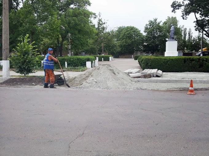 В Измаиле делают дороги в час пик (фото)