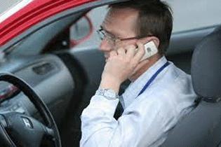 За разговоры по мобилке штрафы поднимут вдвое