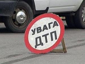Водитель из Б.-Днестровского так мчался в Одессу, что врезался в дерево