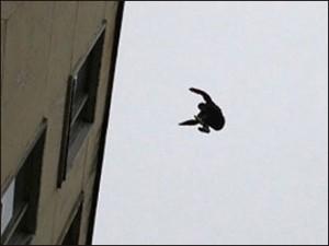 В Измаиле мальчик сорвался с крыши пятиэтажного здания