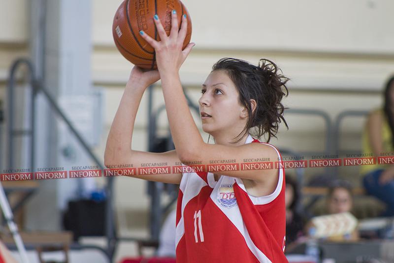 В Измаиле проходит международный баскетбольный турнир.