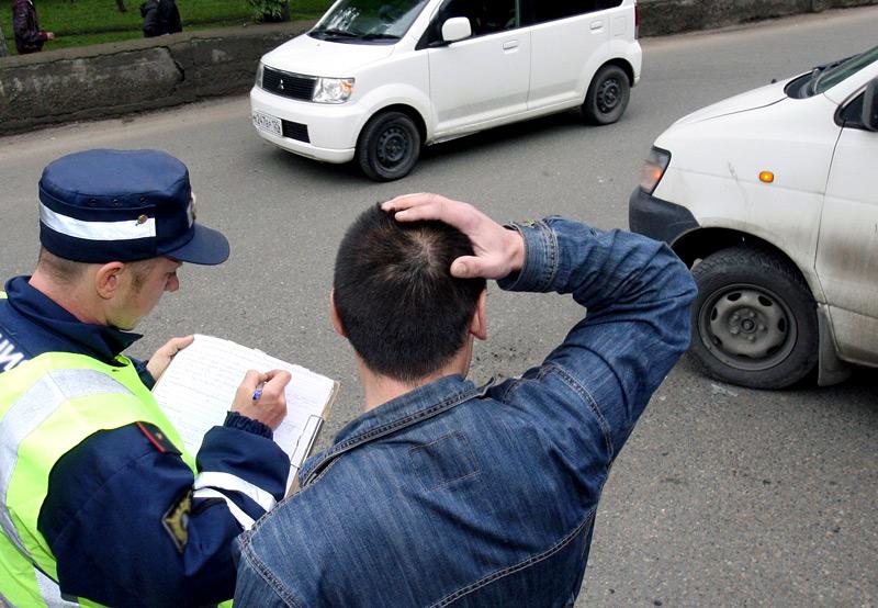 С понедельника в Украине начнут выдавать биометрические права