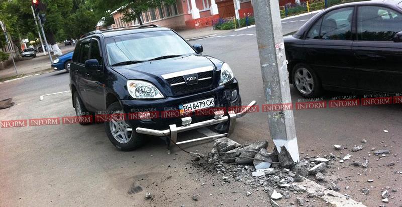 izmail dtp na vatytina 1 ДТП в Измаиле. Столб спас пешеходов от водителя алкоголика!