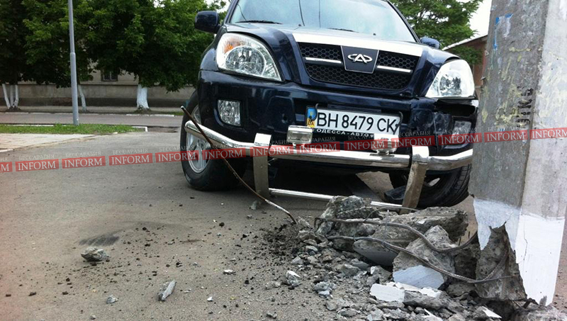 izmail dtp na vatytina 2 ДТП в Измаиле. Столб спас пешеходов от водителя алкоголика!