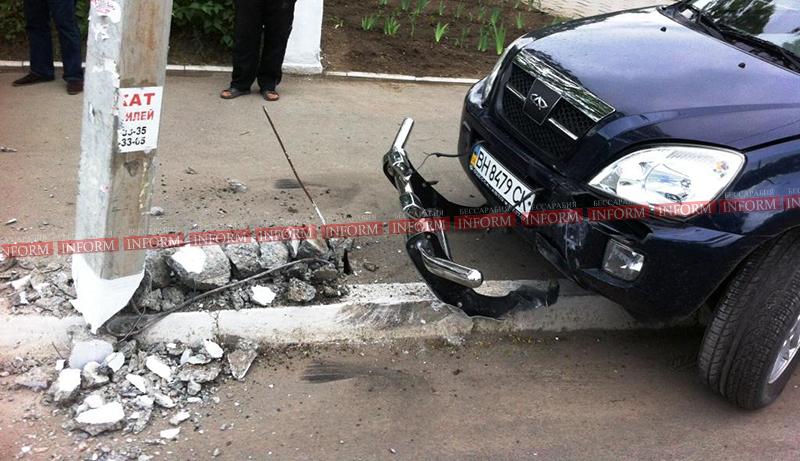 izmail dtp na vatytina 3 ДТП в Измаиле. Столб спас пешеходов от водителя алкоголика!