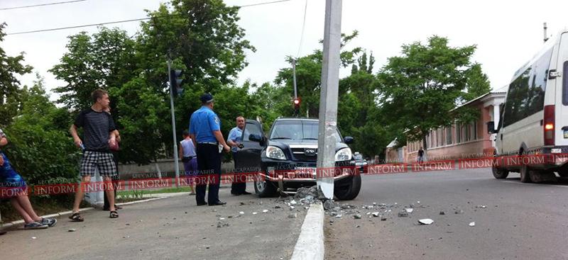 izmail dtp na vatytina 4 ДТП в Измаиле. Столб спас пешеходов от водителя алкоголика!