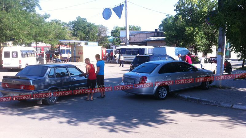 Измаил: Утро понедельника началось с ДТП на автостанции (фото)