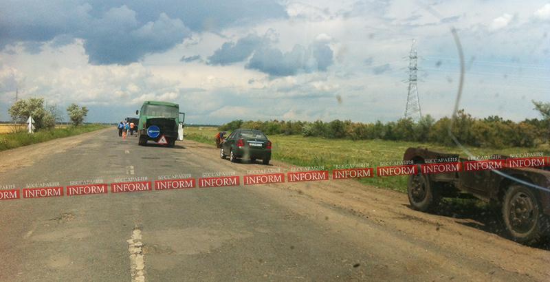 "Разбитую дорогу ""Килия - Шевченково"" начали латать. (фото)"