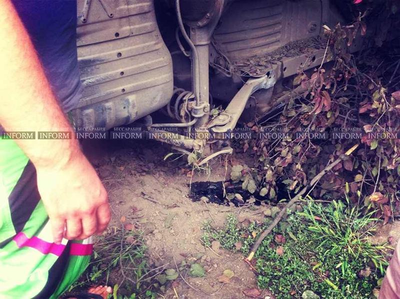 v izmaile perevernylsya jeep 6 ДТП в Измаиле: Убитый Grand Cherokee, чудом выживший водитель и паскудство людей (ФОТО)