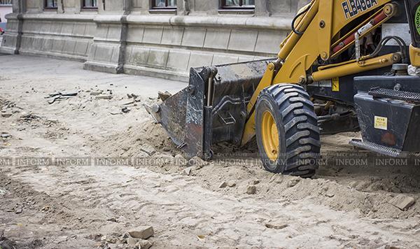 В Измаиле серьезно взялись за тротуары (фото)