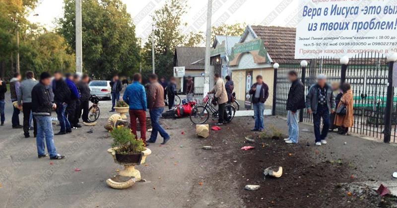 moto dt izmail 12 Смертельное ДТП в Измаиле: столкнулись мотобайк Хонда и ВАЗ (фото, видео, обновлено)