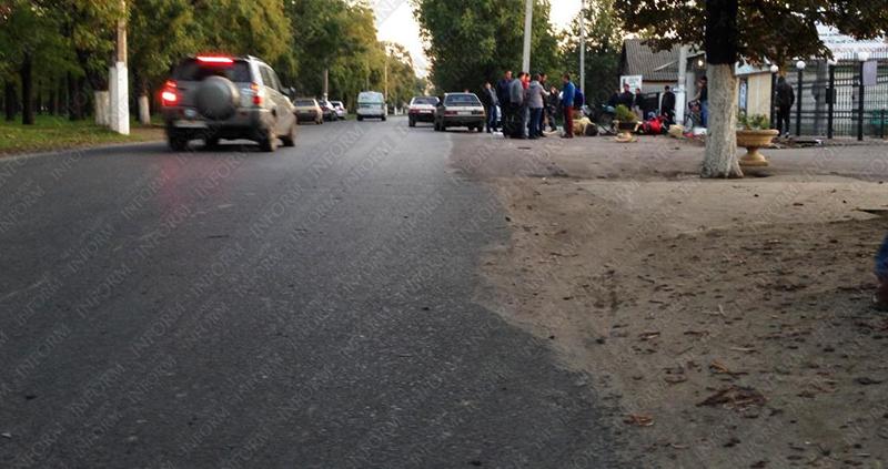 moto dt izmail 13 Смертельное ДТП в Измаиле: столкнулись мотобайк Хонда и ВАЗ (фото, видео, обновлено)