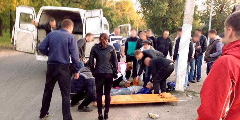 moto dt izmail 6 Смертельное ДТП в Измаиле: столкнулись мотобайк Хонда и ВАЗ (фото, видео, обновлено)