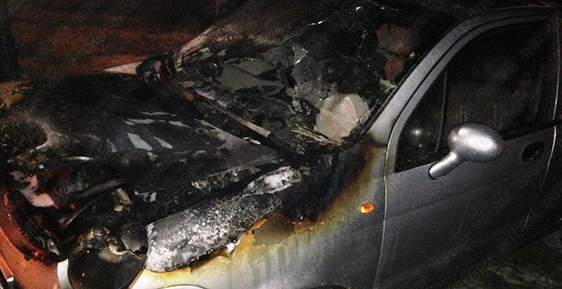 podjog cheri izmail 4 В центре Измаила сожжен очередной автомобиль! (фото, видео)