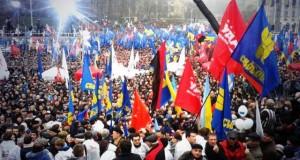"""""""Евромайдан"""" остается топ-темой в российских СМИ"""