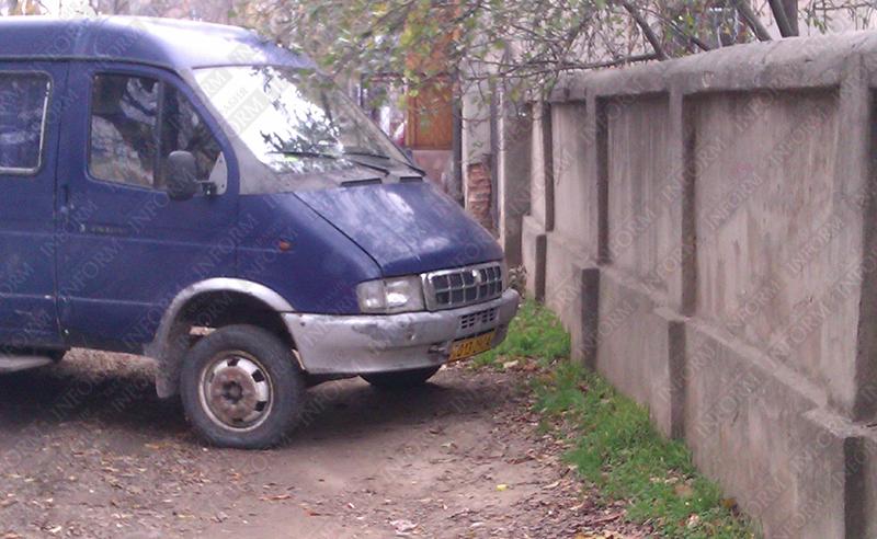 """Измаил: """"Газель"""" в рубрике """"Я паркуюсь как дурак"""" (ФОТО)"""