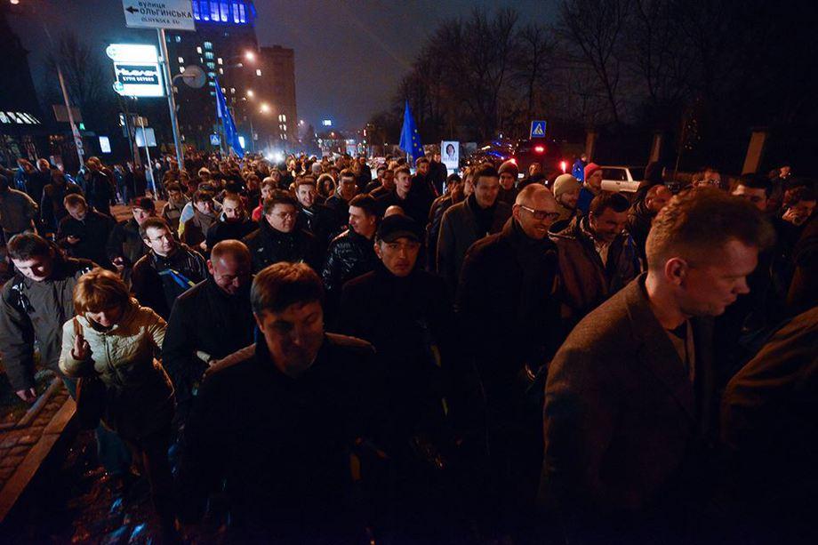 i-1 Украинцы объединяются через соцсети и выходят на Евромайдан (фото)
