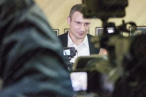 Президент пригласил на дебаты Кличко