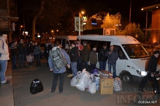 В Одессе забросали камнями автобусы, направляющиеся на Майдан (ФОТО)