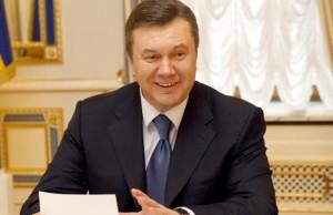 Янукович журналистам о кризисе :Все начинается с семьи (видео)