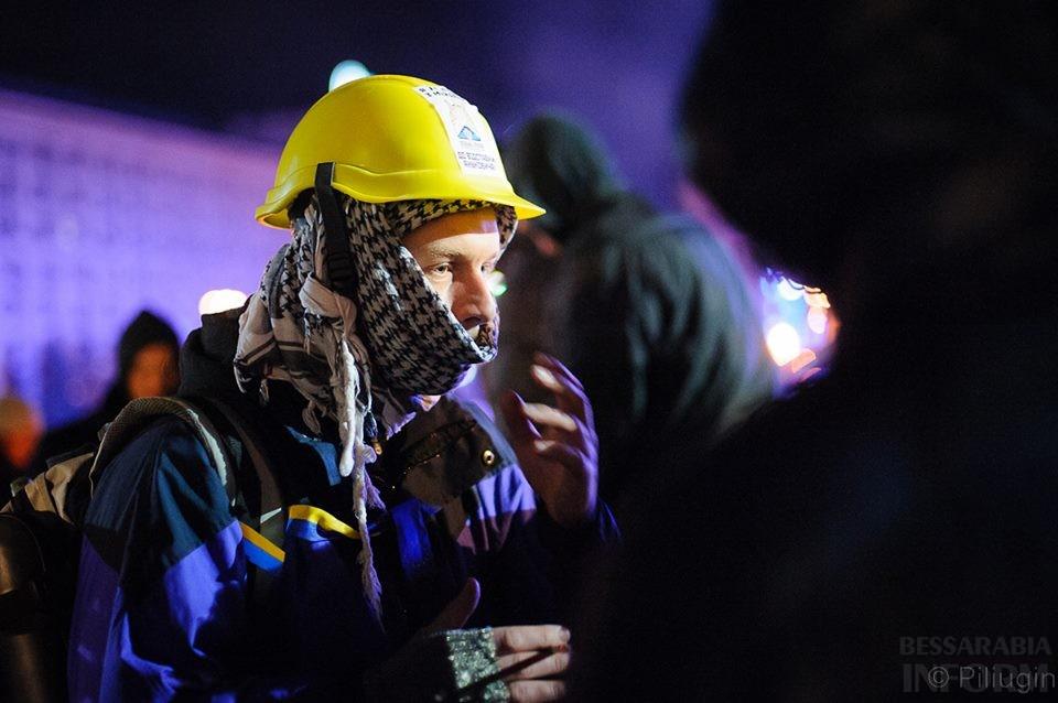 1450318_218126581701679_1224661367_n За полчаса до кровавого разгона студентов на Евромайдане (фото)