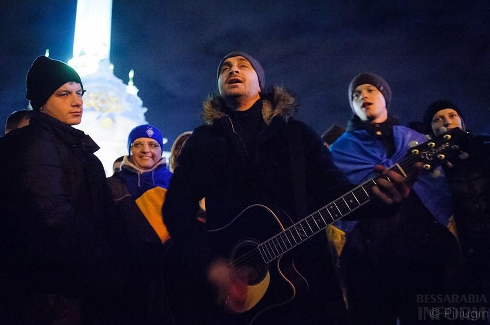 1451392_218126755034995_2111371564_n За полчаса до кровавого разгона студентов на Евромайдане (фото)
