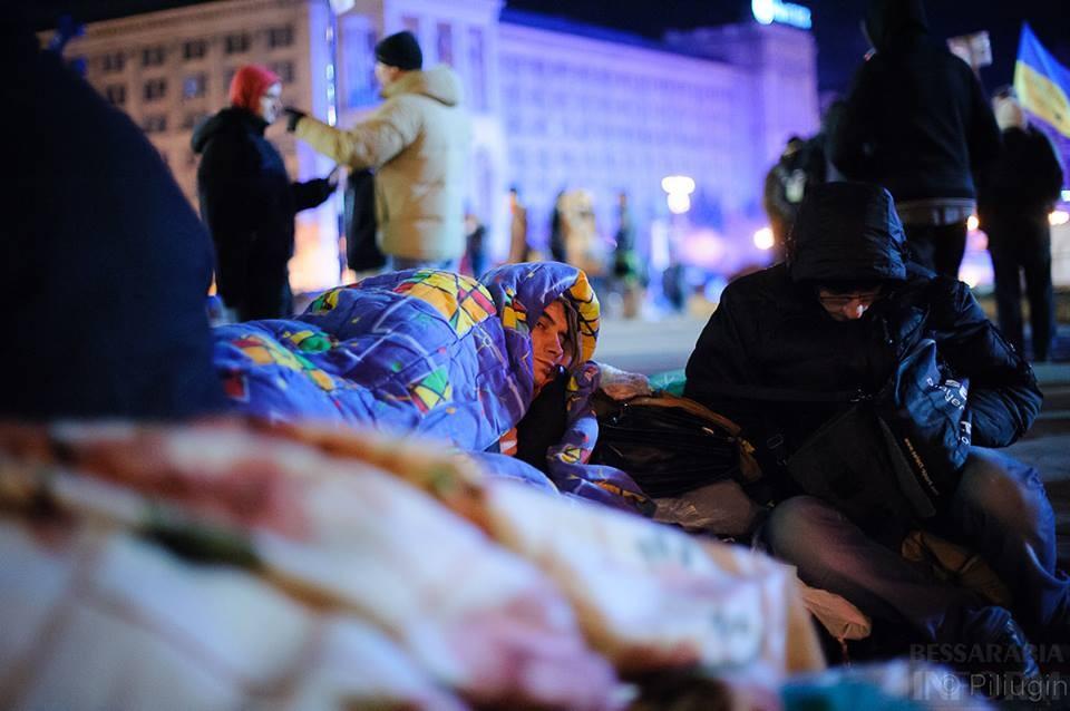 1471773_218126951701642_1842685966_n За полчаса до кровавого разгона студентов на Евромайдане (фото)
