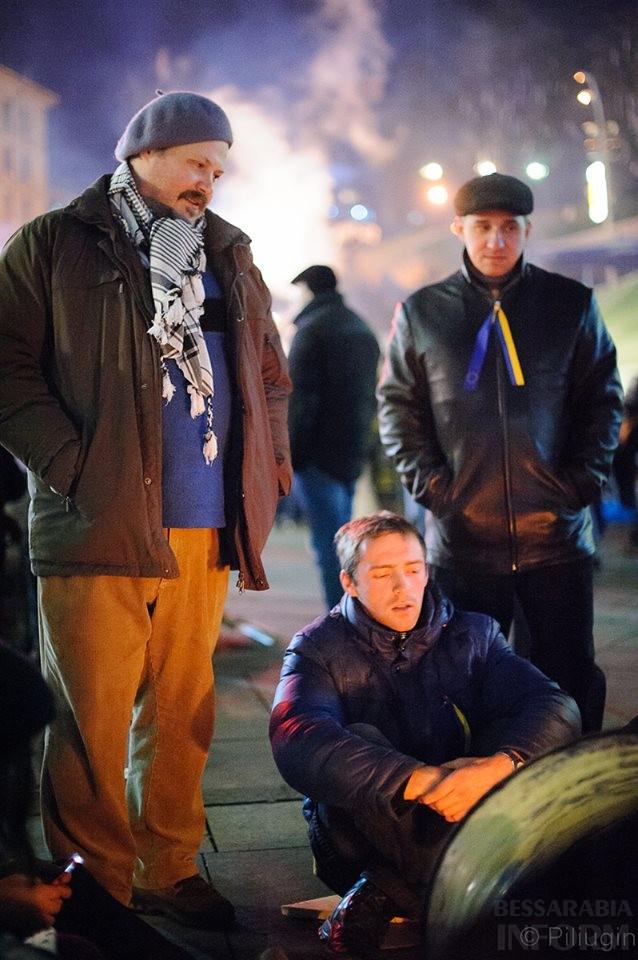 1476145_218126848368319_2084613748_n За полчаса до кровавого разгона студентов на Евромайдане (фото)