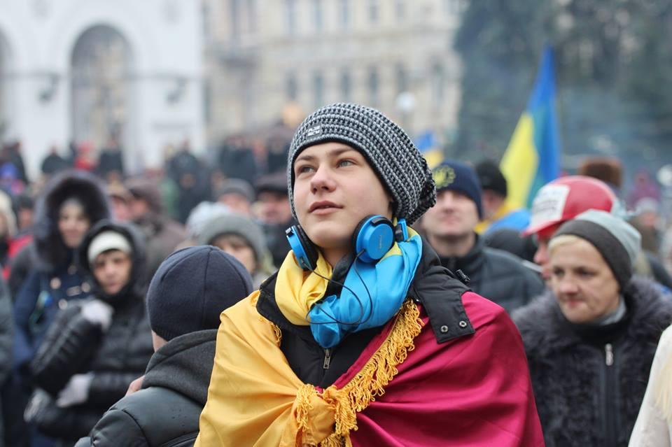 1525105_535600859869589_1239168380_n Евромайдан и люди (фото+видео)