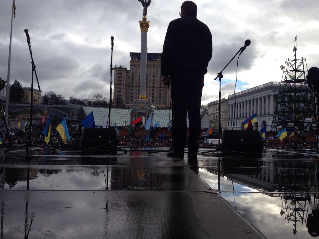 """20131202-111855 Революция. День 2-ой.Хроника: Азаров должен уйти! Прямой репортаж """"БИ"""" (фото)"""
