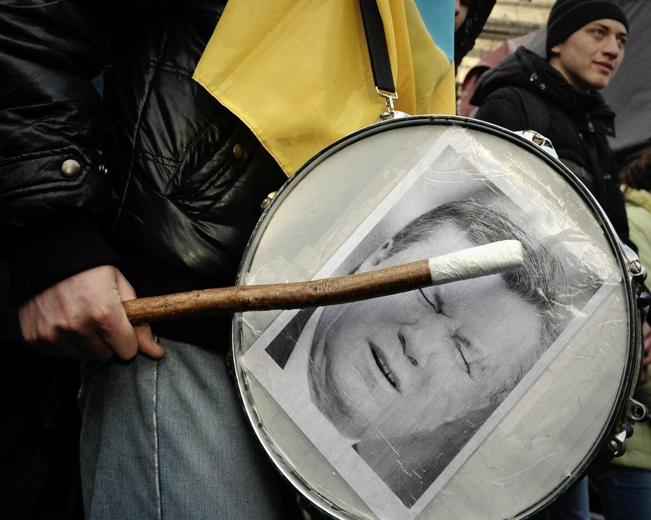 2O5SpfAgGeQ Евромайдан и люди (фото+видео)