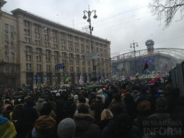 640x480-1 На улицы Киева вышло больше миллиона украинцев. Вече на Майдане началось с молитвы. (Фото,видео)