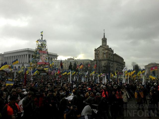 640x4801 На улицы Киева вышло больше миллиона украинцев. Вече на Майдане началось с молитвы. (Фото,видео)