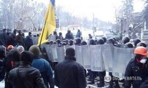 """""""Беркут"""" и митингующие договорились о перемирии"""