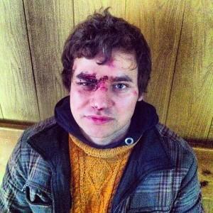 Журналист Lenta.ru полтора часа простоял на коленях, но свободен