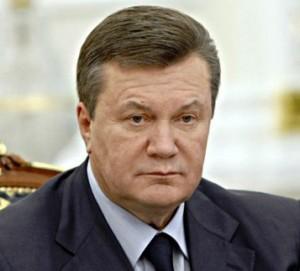 Янукович на линии огня