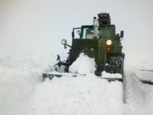 В Бессарабии дороги чистят даже десантники (фото)