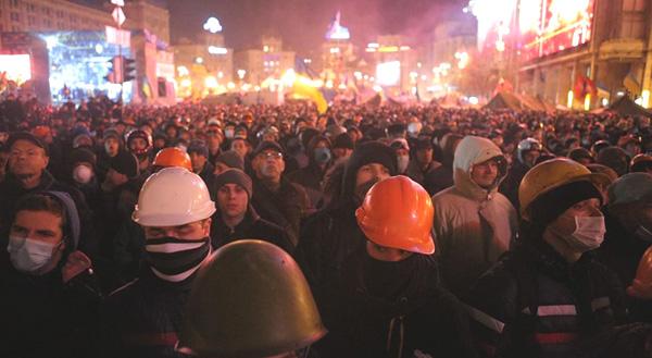 Попытки взять Майдан и остановить революцию продолжаются