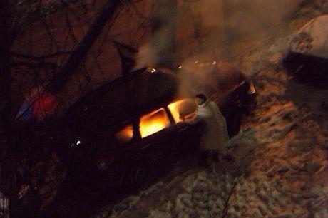 В Киеве сожгли авто сотрудницы посольства Канады