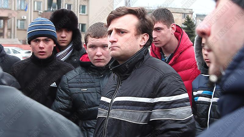 """Группа измаильчан собирается защищаться от """"бандеровцев""""? (ВИДЕО)"""