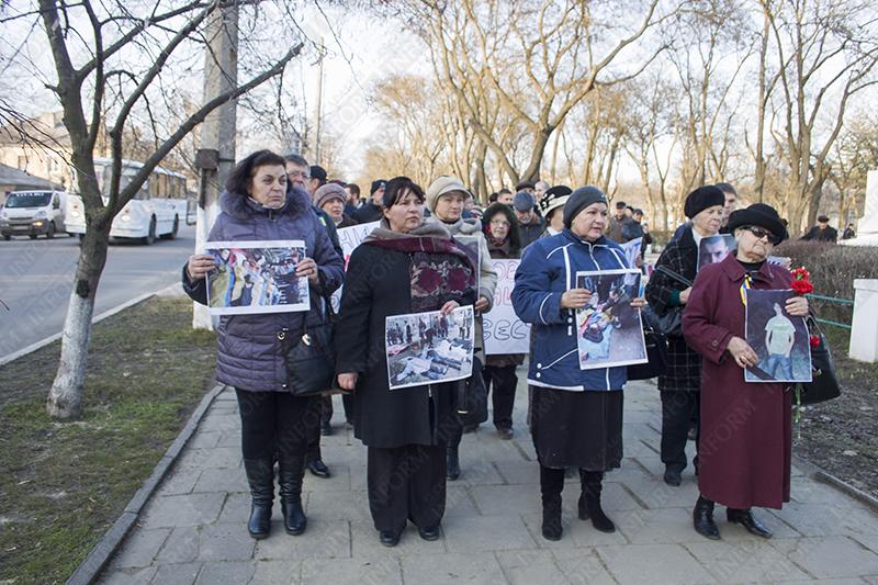 Измаил сегодня почтил память погибших в ходе противостояния в Киеве (фото)