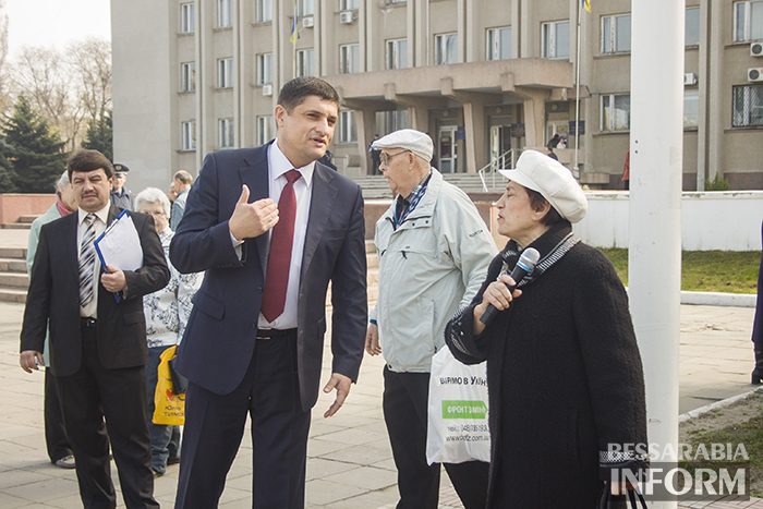 Измаильчане бастовали против тарифов ЖКХ: Хватит нас грабить! (ФОТО)
