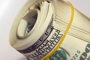 На закрытии межбанка доллар вырос до  13,2