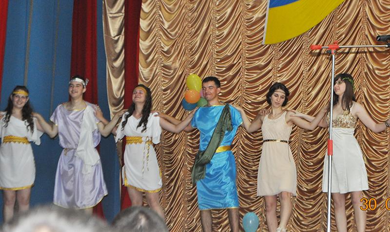 Студенты ИГГУ показали себя в роли греческих богов (фото)