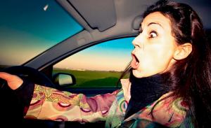 На дороге «Одесса-Рени»женщина-водитель въехала в ограду