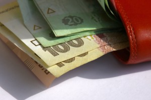 14095-300x200 Минимальная зарплата в Украине - какой она будет
