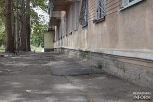 аварийный-дом-15-300x199 Где больше всего строят жилье в Бессарабии